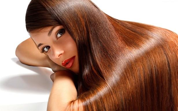 Saç cilası uygulamasında amaç; saçtaki renk farklıklarını kapatmak, saça homojen ve doğal bir görünüm kazandırmak, saçın daha canlı ve parlak olmasını sağlamaktır. Tüm bu özellikleriyle saç cilasının saçı beslediğini de söylemek mümkündür.  Saç cilası hem sarı hem de kızıl saçta güvenle kullanılan bir yöntemdir. İşinin ehli birçok kuaför boyama işlemi sonrasında, boyanın daha uzun süre kullanılabilmesi amacıyla saç cilası uygulamaktadır.