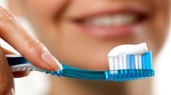 Banyo yapmanın nasıl oruç için bir mahsuru yoksa diş fırçalamak da aynı durumu barındırıyor.
