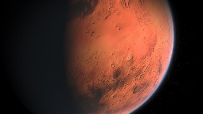 """Mars gezegeni bizim hayatta kalmak için neler yaptığımıza dair içgüdümüzü ortaya koyar. Haritanızda marsınız hangi burç ve evde ise cesaretiniz ve hayatta ne pahasına olursa olsun verebileceğiniz mücadelenin potansiyel kurallarını bize gösterir. Mars, bizi sabahları yatağımızdan kalkmamızı, hayatımızın direksiyonun bizde mi ya da başkasında mı olduğunu veya aktif enerjimizi ne yönde değerlendirdiğimizin ipuçlarını da verir. Mars'ımızı """"harekete geçirdiğimiz"""" zaman, iddialı, girişimci, gelişen olaylar karşısında dürüst davranırız. Olumsuz tarafta, dürtüsel olarak sabırsız, saldırgan ve manipüle eden davranışlar içinde olabiliriz. Mars'ınızın temas ettiği gezegenler, eylemleri nasıl gerçekleştirdiğinizi şekillendirir.  Mars gezegenin cevap verdiği sorular?  Zayıflıklarımız nedir?  Öfkemizi nasıl ifade ettiğimizi? Bizi öfkelendiren olaylara karşı içgüdüsel olarak nasıl tepki verdiğimizi? Bizi kızdıran nedir ve öfkeyi nasıl gösteririz?  Ne arzu ediyoruz ve nasıl başlıyoruz?  Ne kadar mücadelecisiniz? Aşk ve ilişkilerde tutarlımısınız?"""