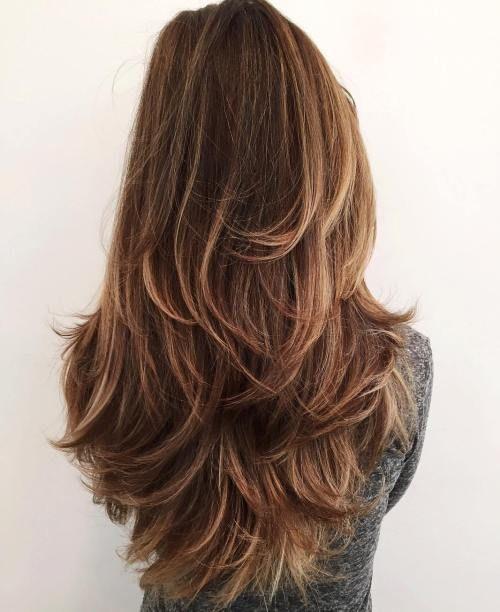 Keratin Bakımı Nasıl Yapılır? Aşamalar Nelerdir?  1.Öncelikle saçınız keratin bakımına ait kendi şampuanı ile yıkanır.