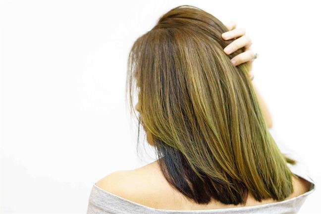 Boyalı Saçlara Keratin Bakımı Yapılır mı?  Evet, boyalı saçlara da keratin bakımı uygulaması yapılabiliyor. Özellikle röfleli ve/veya çok incelmiş saçlarda, çok incelmiş saçlarda ilk etapta daha fazla yapılmaktadır. Ancak keratin yüklemesi genel olarak boya işleminden sonra yapılması tavsiye edilir.
