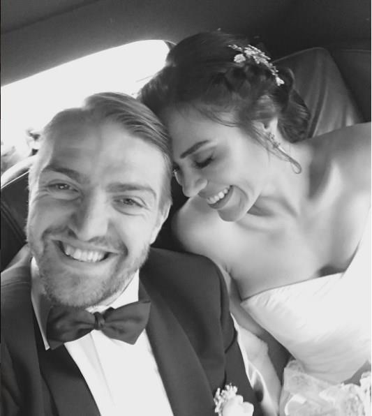Şükran Ovalı - Caner Erkin  Roma'da evlendiler.