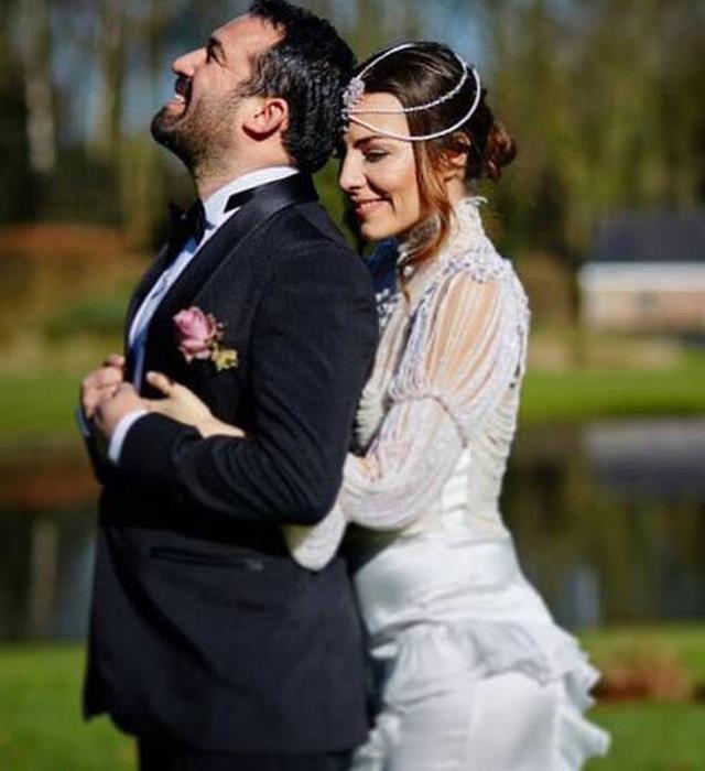 Burcu Kara - Fırat Parlak  Belçika'da evlendiler.