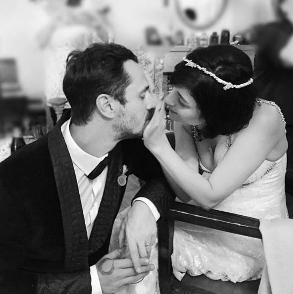 Gonca Vuslateri - Burak Ertoğan  Çift Phuket'te evlendiler.