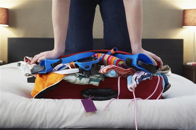 Bavul ağırlığı  Bavulunuzu hazırlarken belki de en fazla dikkat etmeniz gereken şey ağırlığı. Eğer taşıyabileceğinizden fazla ağır olursa hem fazla bagaj ücreti ödemeniz gerekebilir hem de basamaklı yerlerden çıkmak tam bir eziyete dönüşebilir. Bu nedenle bavulu mümkün olduğunca hafif tutmakta yarar var.
