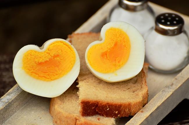 Sahur  Açık çay (şekersiz)  1 adet haşlanmış yumurta  3 dilim peynir  3-4 dilim ekmek  2 ceviz  Domates, salatalık