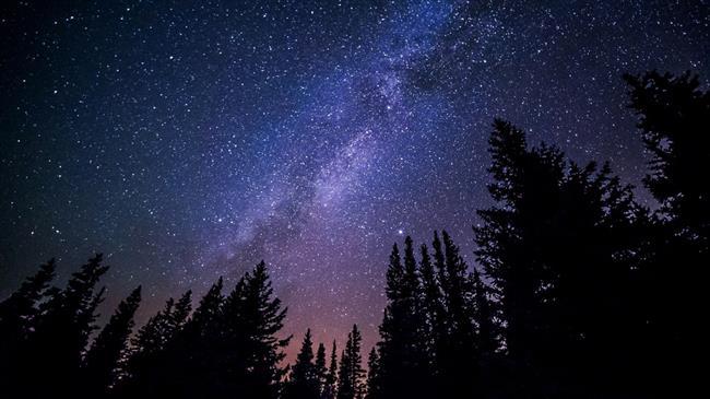 ---Hayır, yaşamı dokunarak fark ederek hissederek yaşayın. Yıldızların, gezegenlerin, yaratanın bize sunduğu mesajlarını iyice okuyun. Senin yaşamın bir bilgisayar programı. Bilgisayar programına önemli bir güncelleme geldiğinde onu yapmazsan geriden gelirsin ve yeni özellikleri keşfedip hayatını kolaylaştıramazsın. Bunu unutma. Şimdi önemli bir güncelleme fırsatı var diyoruz. Bence programı indir daha iyi özellikleri ile kullan. Reddetmek, şikâyet etmek yerine güncelle tuşuna basmanı tavsiye ederim.