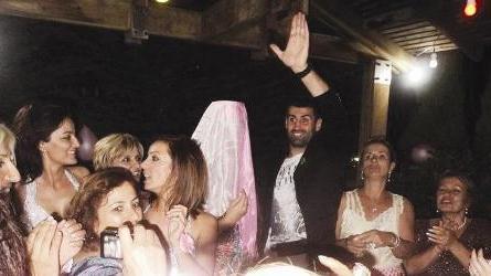 ZEYNEP KÜBRA SEVER  Fenerbahçe ve milli takım kalecisi Volkan Demirel'in düğününden önce de kına gecesi düzenlendi.