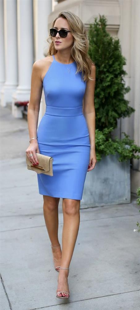 İnce Vücut  Pek çok kadının giymekte tereddüt edeceği kısa ve dar elbiseler tam size göre. Üzerinize tamamen yapışan modeller tercih edin.