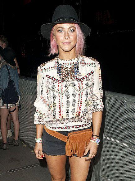 Bel çantaları ile 90'lı yılların bugünün moda trendlerini tam gaz etkilemeye devam ettiğini de söylemek gerekir  Kaynak Fotoğraf: Pinterest