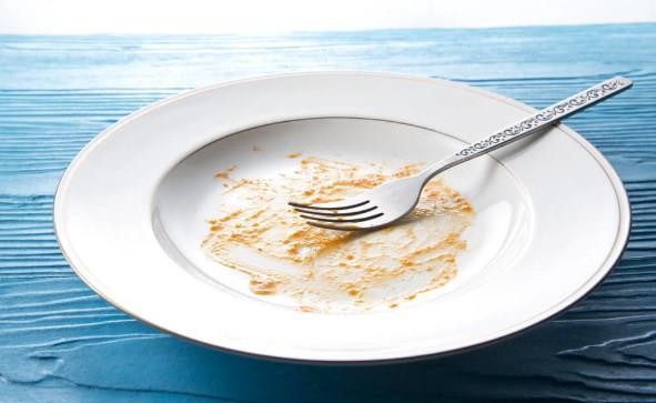Kirli Bulaşıklar  Ertesi güne bulaşık bırakmadan önce bir daha düşünün! Çünkü bulaşıkları ne kadar kirli tutarsanız o kadar çok bakteri üretiyorlar.