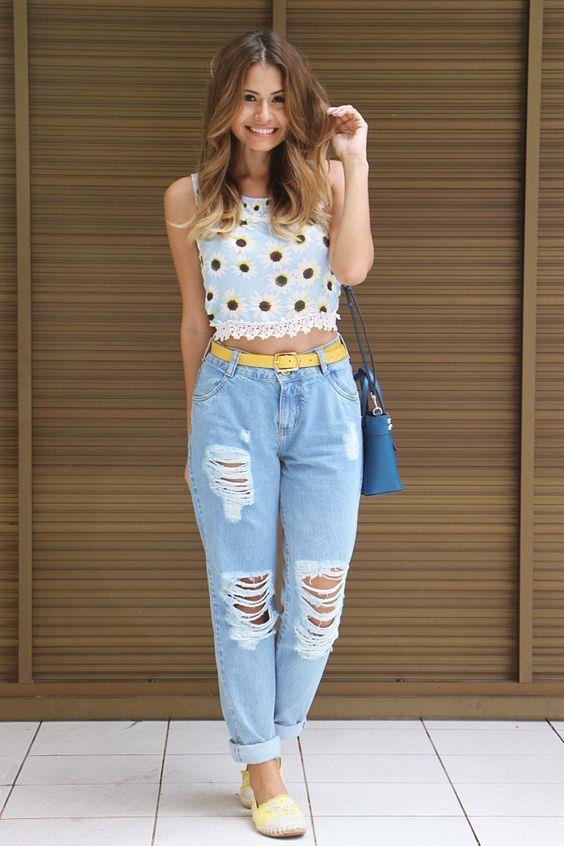 2017 'nin olmazsa olmazı kemer detayı en sıradan kot pantolonu bile bambaşka bir havaya sokabilir. Kendi tarzına uyan kemeri seç ve trendleri sokağa yansıt.