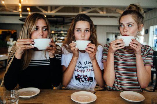 YAY  Dışarıdan umursamaz biri olarak görünebilirsiniz ama gerçek arkadaşlarınız sizin öyle olmadığınızı biliyor. Arkadaşlarınız size en çok iyi bir dinleyici olduğunuzu söylüyor.