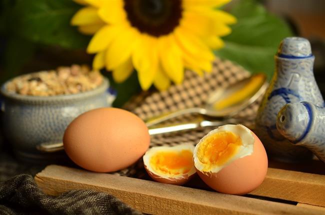 Akşam: Bir adet haşlanmış yumurta, 2 adet salatalık, 2 sivri biber yenmeli  Gece: 2 salatalık