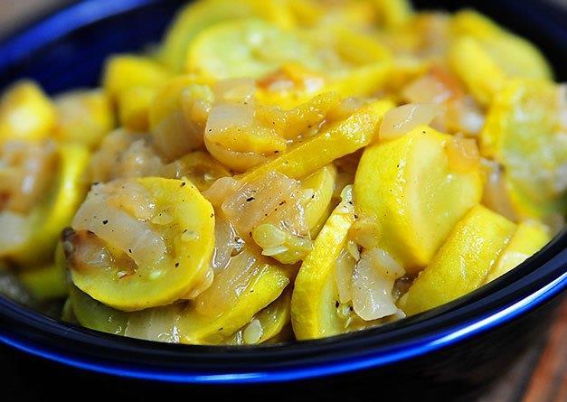 Öğle: Bir kâse yeşil mercimek, Bir porsiyon haşlanmış zeytinyağlı kabak