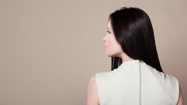 Anoreksi ve bulimia  Anoreksi ve bulimia gibi yeme bozuklukları olan hastalarda beslenmeyle alınması gereken demir, vitamin, protein ve çinko gibi elementlerin eksikliğine bağlı saç dökülmesine sıklıkla rastlanıyor. Bu hastalıklar tedavi edildiğinde saç dökülmesi duruyor ve kaybedilen saçlar tekrar yerine geliyor.
