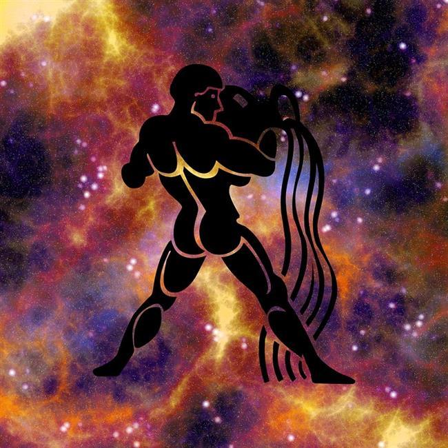 Kova burcu = Uranüs  Kova burcu Zodyak'in onbirinci evinde bulunur.  Yönetici gezegeni Uranüs'dür. Dostları, umutları, arzu ve dilekleri, sosyal değerleri, yardımlaşmayı ve zihinsel özgürlüğü etkiler. Onbirinci ev kisinin arkadaş edinme, topluluk kurma, görüşme ve evrensel konularda çalışma yeteneğini belirler.