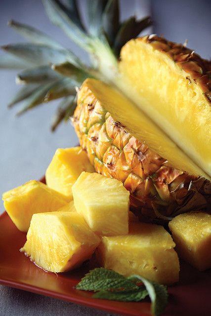 Ananas:  Bromelain denilen sindirim enzimi içerir. Bu enzim yağ hücrelerinin çevresindeki bozuk kolajen dokuyu parçalar ve yağların depolanmasını önler. Her gün 1 dilim ananas yemek bölgesel ödemi de önler.   İnci Çiçeği ve Enginar:  Vücutta oluşan ödemin dışarı atılmasında etkili bitkilerdir.