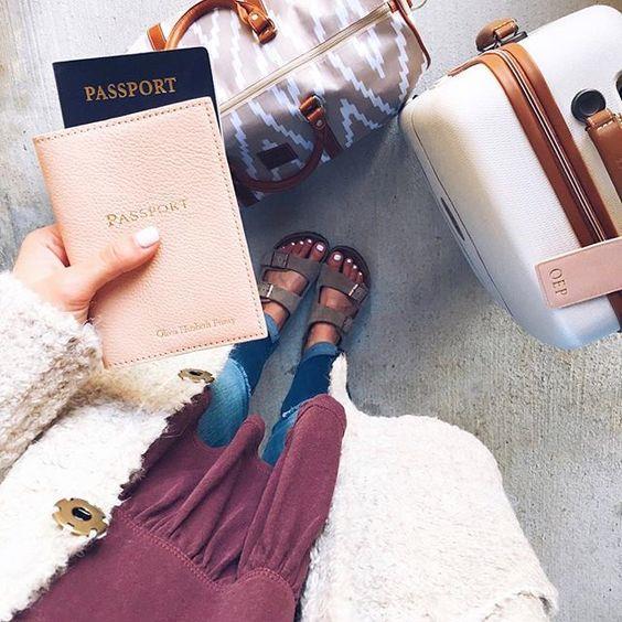 Pasaport  Pasaportunuzu asla unutmamalısınız. Aksi taktirde yolculuğunuz yarım kalır.