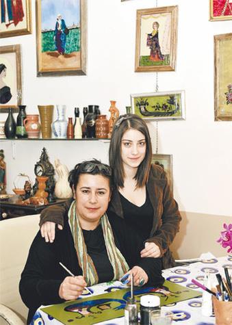 Hazal Kaya  Hazal Kaya'nın annesi Ayşegül Kaya avukat