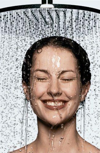 Soğuk Duş  Gece uyku rutininize soğuk duşu ekleyin. Gece uyumadan alacağınız soğuk duş, yalnızca vücut ısınızın düşmesini sağlamak için en kısa ve pratik yol değil, ayrıca üzerinizden tüm günün yorgunluğunu atmanız için mükemmel bir yöntem!
