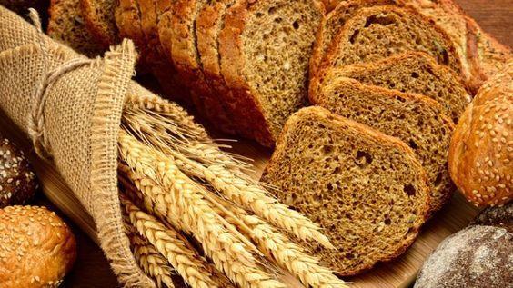 Tahıllı Ekmek  Hem hafif hem de doyurucu...  Malzemeler  5 su bardağı yedi tahıllı un karışımı  1 paket toz maya  1 tatlı kaşığı toz şeker  2,5 su bardağı ılık su  1 çay kaşığı tuz  1 su bardağı iri kıyılmış ceviz içi  1 çay bardağı doğranmış yeşil zeytin  Kaynak: Yemek.com