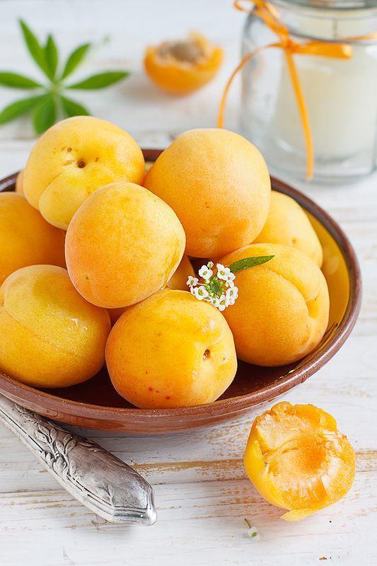 Uyanınca  2 adet incir, 3 adet hurma veya 3 adet kayısı (kuru ya da taze meyveler)  1 bardak su