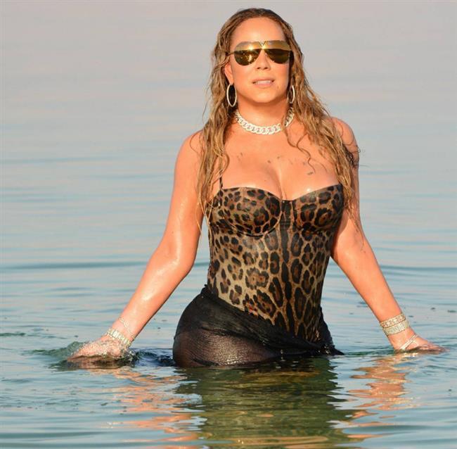 Mariah Carey  Mariah Carey son dönemde kilo aldı ama bu keyfini hiç bozmuyor. Carey 42 beden.