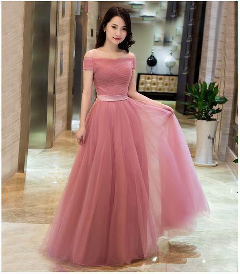 5. Geçen Düğünde Giydiğiniz Elbiseler  İnsanlar nereden hatırlayacak dediğiniz elbiseleri düğünlerde giymemelisiniz. Hatırlıyorlar...