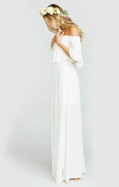 1.Gelinliğe Benzeyen Elbiseler  Gelinin kötü bakışlarına maruz kalmamak için beyaz elbiselerden uzak durmalısınız.