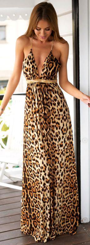 3.  Leopar Desenli Elbise  Trendi geçen leopar desenli elbiselerden demode gözükmemek için uzak durmalısınız.