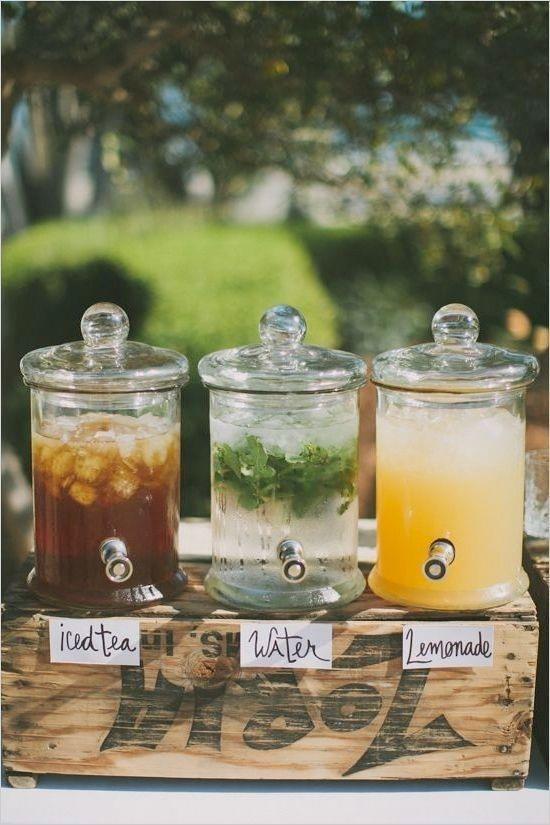 İçecek Durakları  Hazırladığınız temaya uygun tahta sandıkların üzerine koyacağınız meyve sepetleri ,birkaç içki konuklarınız ve sizin için güzel bir alternatif olabilir.