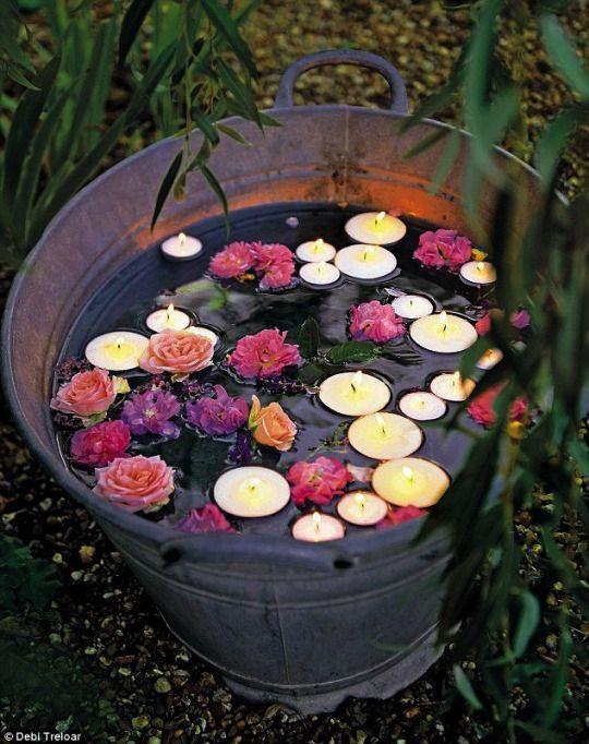 Galvanizli Küvetler  Geniş kapları, buz torbalarıyla içecekler için soğutma istasyonu haline dönüştürebilir  mumlar ya da çiçekler ekleyerek dekor amaçlı kullanabilirsiniz