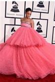 Rihanna'nın Moda Kurallarını Yıkan Kombinleri - 16