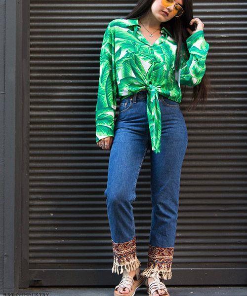 İşlemeli Pantolonlar:  Bohem tarzın belirleyicisi olan etnik desenler pantolonlara da eşlik ediyor.