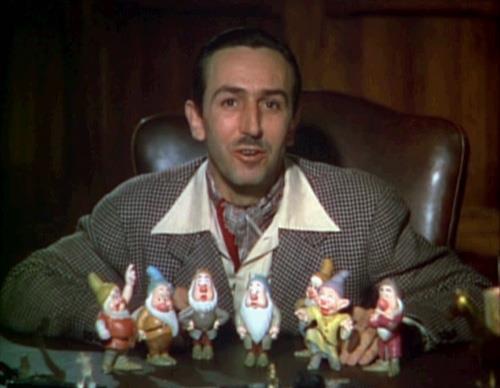 Walt Disney'in cesedinin kriyojenik olarak donmuş olduğuna inanıyorlar.