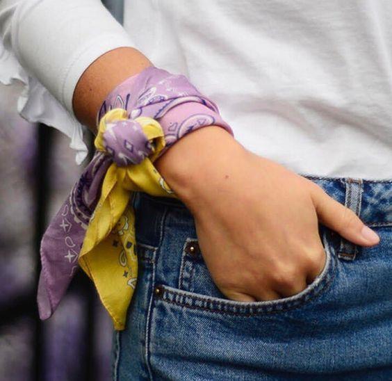 Bileklik Modeli:  Kolunuza bağladığınız bandanaları bileklik olarak kullanabilirsiniz.