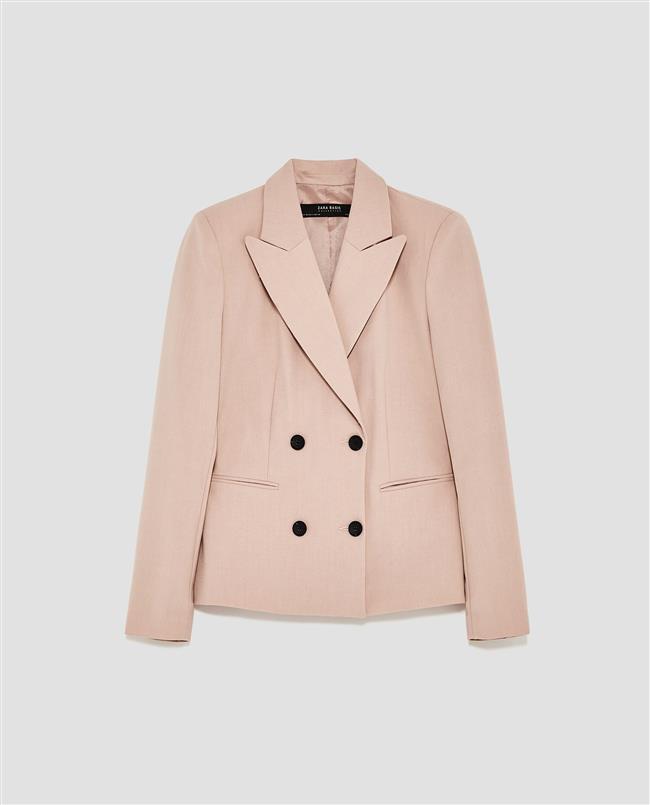 BLAZER CEKET    Her daim trend blazer ceketler ile her kombin daha şık.