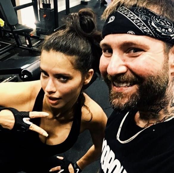 Lima ile kısa süreli aşk yaşayan Kastanis'in Brezilyalı modelle çekilen fotoğraflarını ayrılığa rağmen Instagram'dan silmemesi de dedikoduları arttırdı.