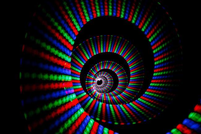"""Renklerin de bir dili vardır…  Sihir ya da büyü değil, tam aksine bu bir bilim! Renklerin insan üzerindeki etkileri kanıtlanmış bir gerçek. Nöropsikiyatri Uzmanı Dr. Mehmet Yavuz' un """"Renklerin insan davranışını, yönelimlerini ve psikolojisini önemli ölçüde etkilediği bugün kesinleşmiştir. Kanada'da yapılan bir araştırmada öğrencilerin başarı grafiklerinin basit renk değişimleri ile yükseltilebileceği gösterilmiştir."""" sözleri renklerin gücünü açıkça ortaya koymaktadır."""