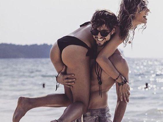 """b>Psikolog Meliha Karayay: Seksle gerçekten kilo verilebilir mi?   """"Seks de bir egzersizdir, üstte olan daha fazla enerji harcar."""" Seks de bir egzersizdir unutmayın, bunu bir oyun gibi ele almak lazım. Seks hayatınız size neşe veriyorsa, keyif alıyorsanız, daha rahat forma girersiniz. Seks hayatı mutlu olanlar, istedikleri zaman çok daha kolay kilo verebilirler."""