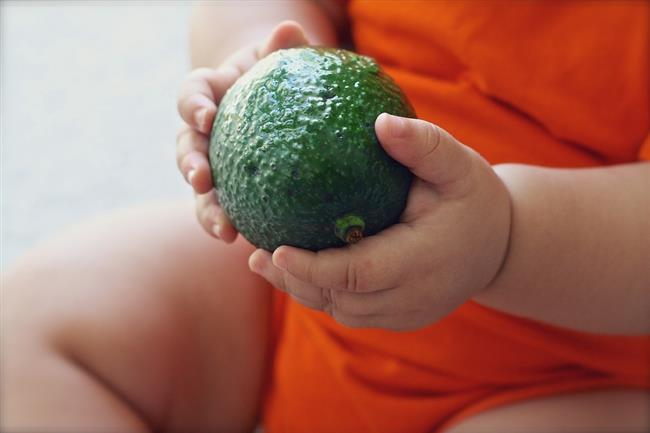 KADIN HASTALIKLARINA KARŞI AVOKADO!  Kadın hastalıklarının önüne geçmede de avokado tavsiye edilen bir besin. Rahim ve yumurtalıkla üzerinde avokadonun koruyucu bir etkisi var.