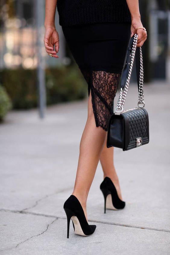 Topuklu ayakkabılar hem her kadının tutkusu hem de kabusu. Topuklu giyince ayaklarınız ağrıyor, yürüyemiyor, acı çekiyor ama topuklu giymekten de vazgeçemiyor musunuz? İşte size topuklu giyinmenin püf noktaları... Bir yandan topuklu giyerken bir yandan rahat olmak bu püf noktalarıyla mümkün...  Kaynak Fotoğraflar: Pinterest