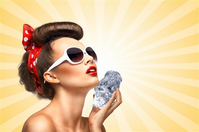 Buz küpleri ile güzelleşmek daha kolay!  İşte buz küplerinin cildinize yararları!  Kaynak Fotoğraflar: İngimage , Pinterest