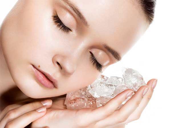 Gözenekleriniz Sıkılaşsın  Yüzünüzde düzenli buz kullanımı gözeneklerinizi küçültür ve cildinizin daha sıkı bir görünüm kazanmasına yardımcı olur.