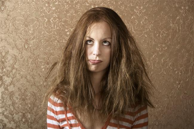 Haftada 1-2 gün saç tipinize uygun saç maskeleri yaparak saçınızın nem dengesini korumaya özen gösterin.