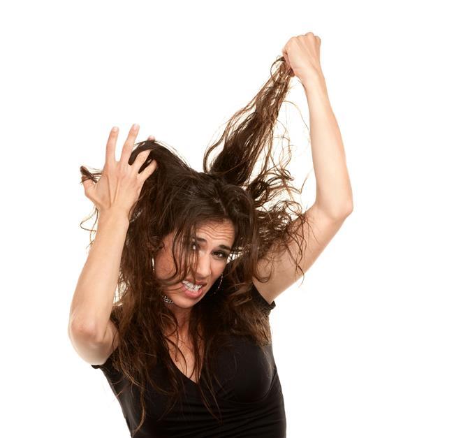 Saçlarınız elektriklenip şekil almıyor mu?   İşte kabarık saçlarınızı kontrol altına almanızı sağlayacak 8 öneri!  Kaynak Fotoğraflar: Pixabay, Ingimage