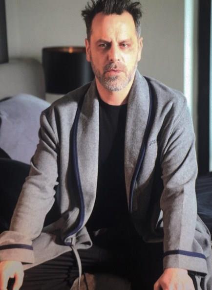 Ozan Güven, aktör olmasaydı belki de dansçı olacaktı. Ya da bir ayakkabı mağazasında çalışan yakışıklı tezgahtar olarak kalacaktı.