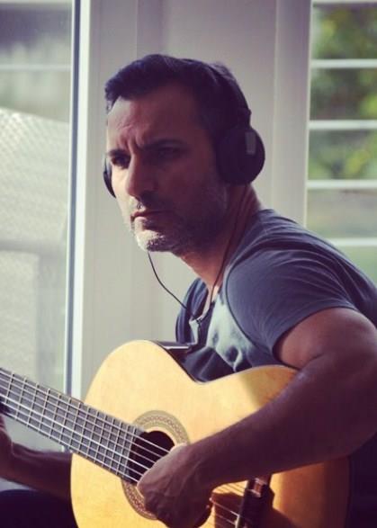 Rafet El Roman günümüzün başarılı müzisyenlerinden biri... Şöhret olmadan önce müezzinlik yapıyordu.