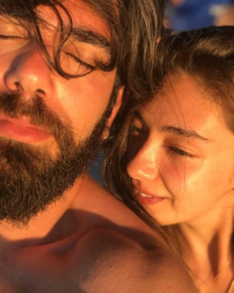Neslihan Atagül Doğulu:   Atagül'ün attığı bu fotoğraf ünlü çift evliliklerini dolu dolu yaşamaya, tatilde de devam ettiklerini gösterdi.